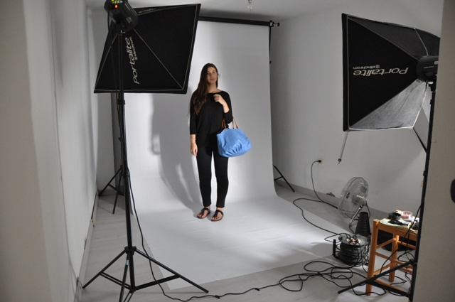 Making Off Photoshoot BenchBags placement with te sky talega