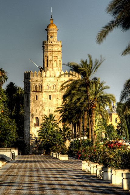 Torre del Oro - Photo by J. A. Alcaide