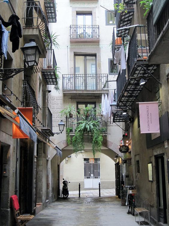 One day in Barcelona - barrio de born