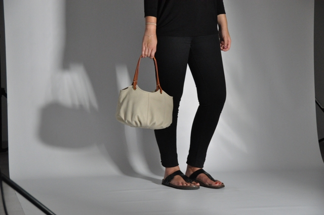 Making Off Photoshoot BenchBags The Parchment Taleguita small white leather shoulder bag women