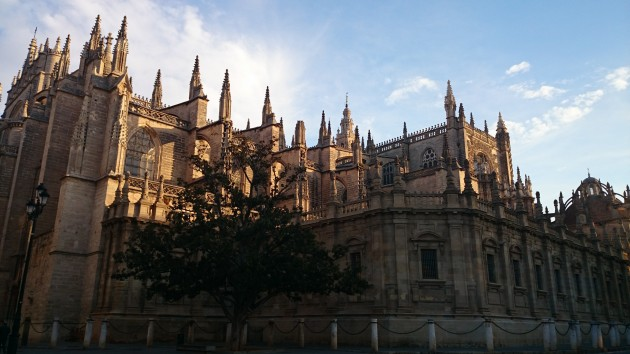 Reasons to visit Seville - Seville Cathedral - BenchBags